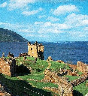 Uruquart Castle at Loch Ness.