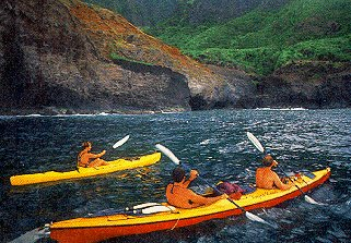 The Na Pali coast promises fine kayaking.