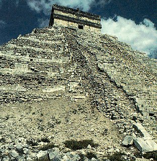 The awe-inspiring pyramids of  Aztec ruins.
