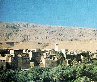 See the Valley of 1,000 Kasbahs.